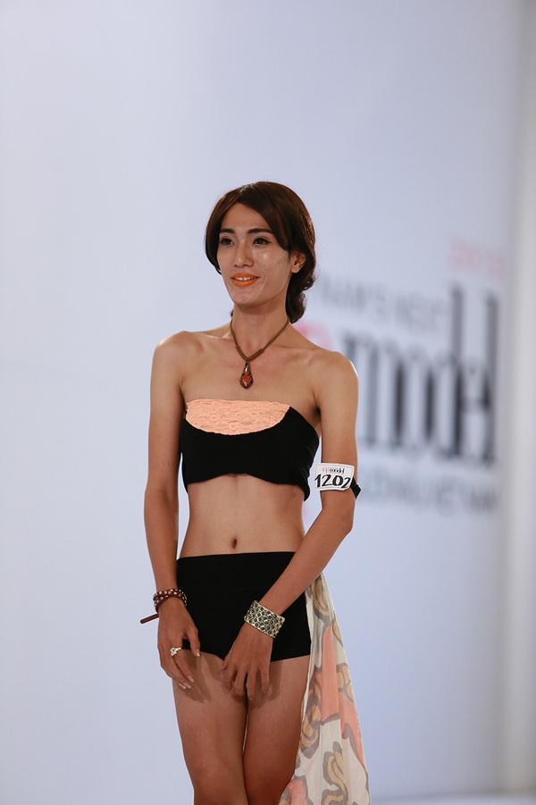 next-top-bikini-1-1376388548_600x0.jpg