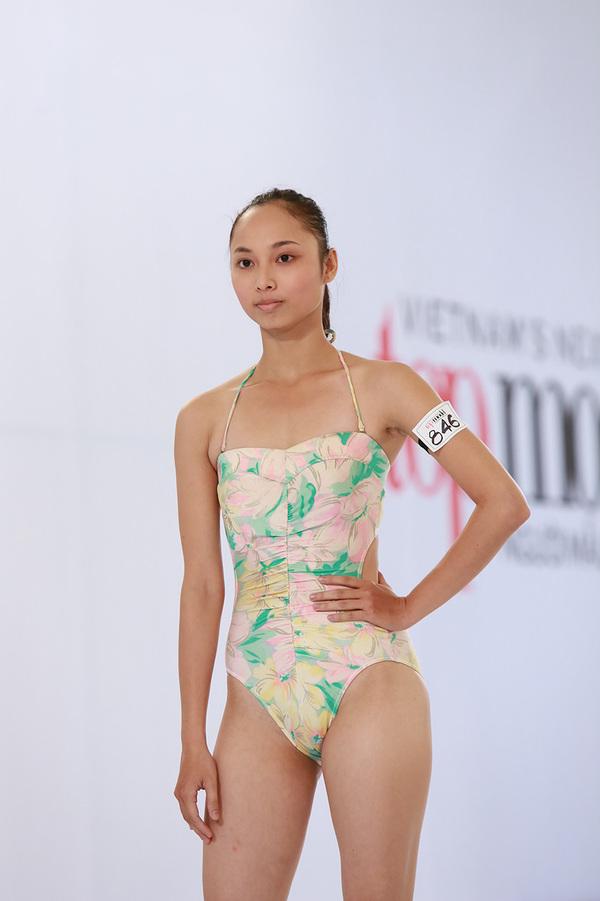 next-top-bikini-3-1376388548_600x0.jpg