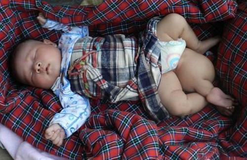 baby1-1376711551_600x0.jpg