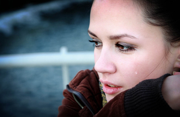 crying-sad-woman-1376706484_600x0.jpg