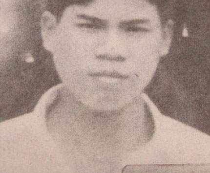 Di ảnh của Thanh, chàng trai được cha mẹ tổ chức đám cưới khi đã chết.