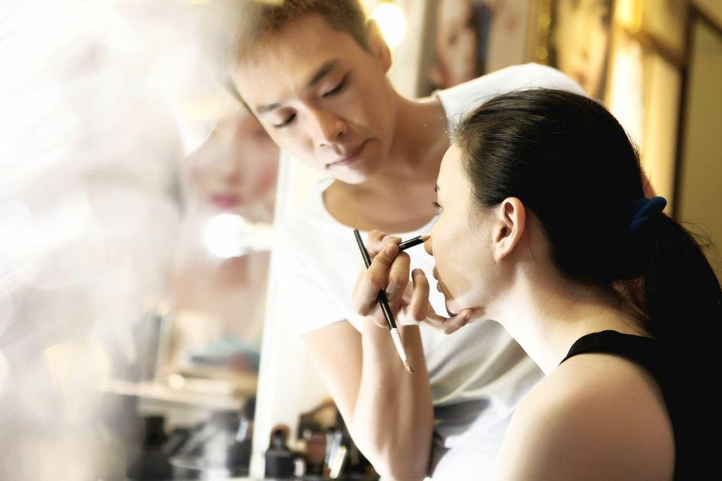 makeup-jpeg-1377139196.jpg
