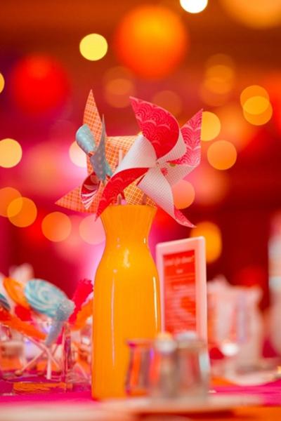 Hoa bàn tiệc cưới và phụ kiện ấn tượng