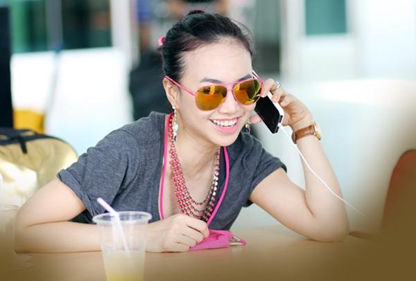 Trưa 28/8, Đinh Ngọc Diệp đã có mặt tại sân bay Tân sơn nhất để lên đường sang Mỹ công tác.
