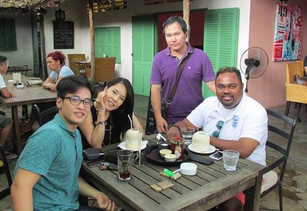 4-vo-chong-Thu-Phuong-1377742723.jpg