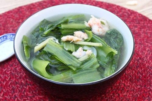 Vị ngọt tự nhiên của tôm, nấu kèm với rau, có chút xíu gừng ăn thơm thơm.