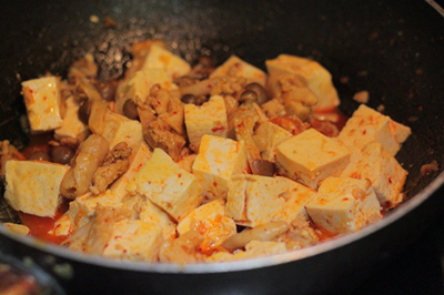 Cách làm món đậu phụ sốt chua cay ngon 5