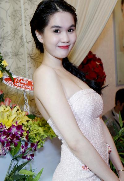 ngoc-trinh-03-7762-1378785796.jpg
