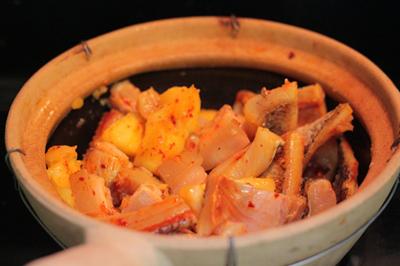 Cách làm món cá lóc khô kho dứa ngon 4