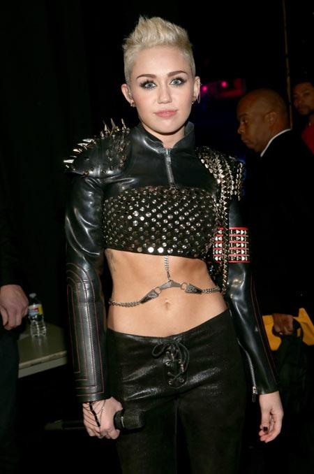 8-Miley-Cyrus-1-8402-1379046141.jpg