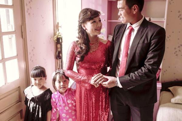 Nhật Trang may áo dài cưới 1,5 triệu đồng