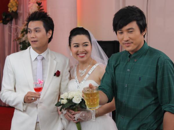 Lê Khánh đảm nhận vai Tú Lan- người phụ nữ đã giả danh Bạch Lam Tiên hòng chiếm đoạt số tài sản của ông Bạch Vĩnh Khương và kết hôn cùng Bảo Hoàng.