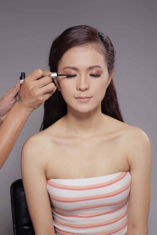 Thùy Trang gợi ý make up cưới sắc hồng