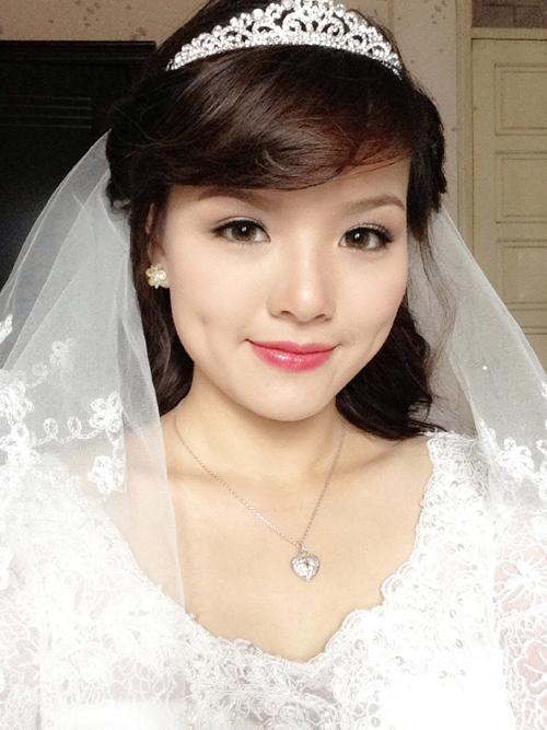 Váy cưới ren rẻ đẹp của Nhật Trang