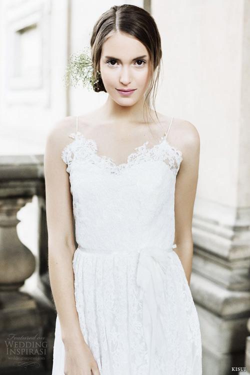 Váy cưới maxi đơn giản, dễ mặc