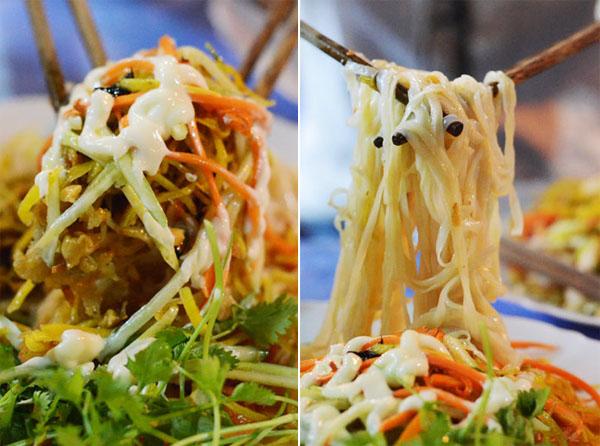 Phở chua Nguyễn Hữu Huân có nhiều nguyên liệu: