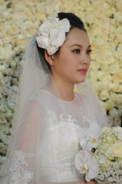 Sự kiện - Ngọc Thạch thay hai váy trong lễ cưới  (Hình 17).