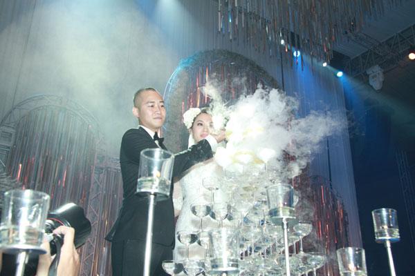 Sự kiện - Ngọc Thạch thay hai váy trong lễ cưới  (Hình 6).