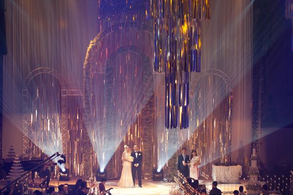Sự kiện - Ngọc Thạch thay hai váy trong lễ cưới  (Hình 4).