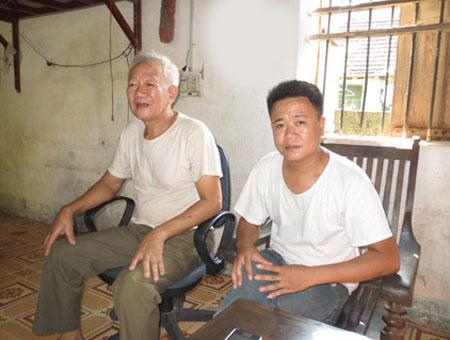Dị nhân Dũng (bên phải) khẳng định khả năng lạ thường của mình có từ thuở nhỏ.