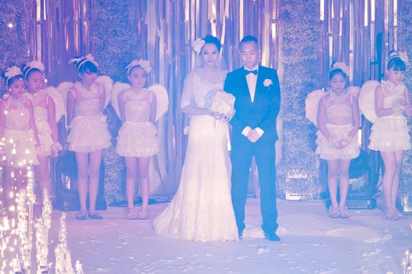 Sự kiện - 7 đám cưới tiền tỷ hoành tráng của sao Việt   (Hình 3).