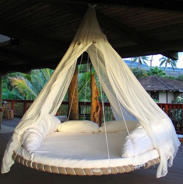 Nhà thiết kế John Huff là người sáng tạo ra ý tưởng giường treo độc đáo này.