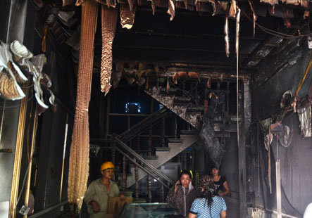 Tiệm vàng Tùng Lâm thiệt hại nặng nề sau vụ tự thiêu.