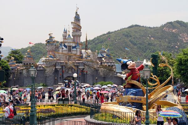 disneyland-in-HK-JPG_1381109068.jpg