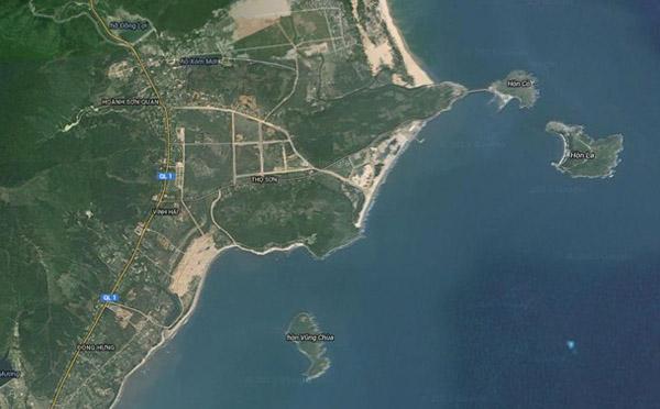 Hình ảnh khu vực Vũng Chùa - Đảo yến nhìn từ Hình ảnh đảo trên nhìn từ hình ảnh vệ tinh