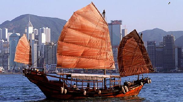 thuyen-o-Hongkong-JPG.jpg
