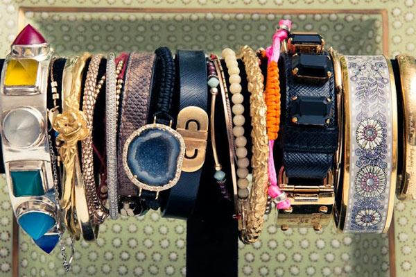 11-Miranda-Kerr-bracelets.jpg