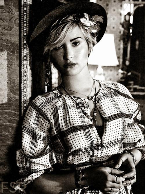 Demi-Lovato5-1998-1381486181.jpg