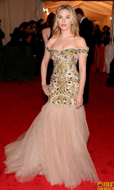 1-Scarlett-Met-Ball-2012.jpg