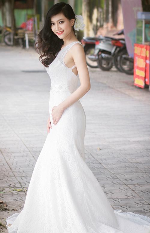 Váy cưới Hàn Quốc cho cô dâu dáng quả lê
