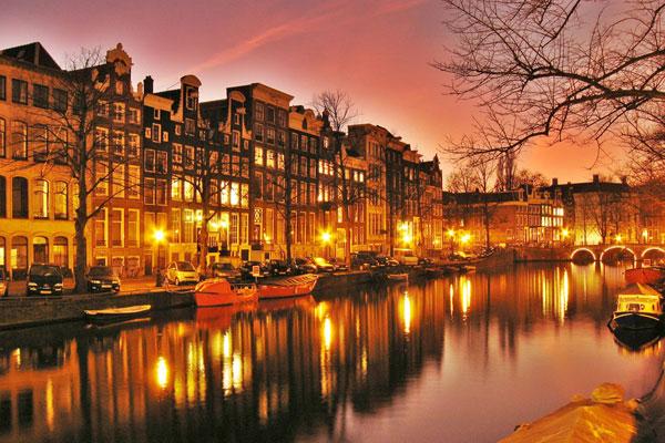 amsterdam1-8581-1381733381.jpg