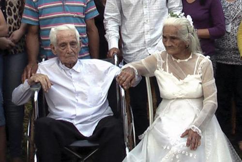 couple-6922-1382062671.jpg