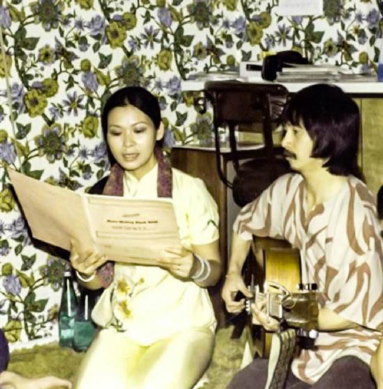 Cặp đôi Lê Uyên Phương và Uyên đã mang đến luồng gió mới cho âm nhạc Việt Nam trong thời kỳ đó.