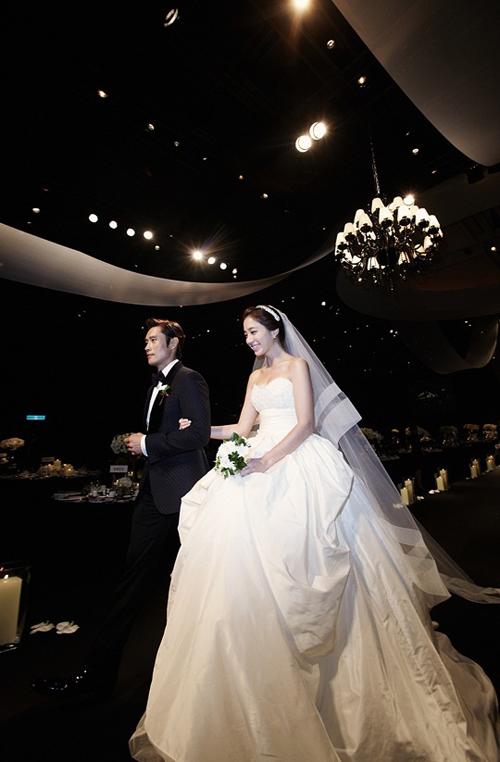 lee-min-jung-wedding-dress-9890-13829336