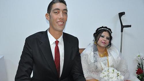 Người đàn ông cao nhất thế giới kết hôn