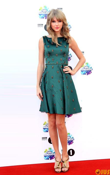 7-Taylor-Swift-9644-1383538767.jpg