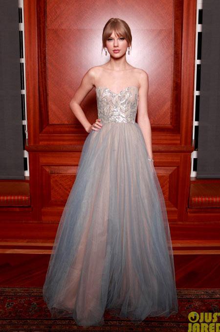 3-Taylor-Swift-5910-1383725248.jpg