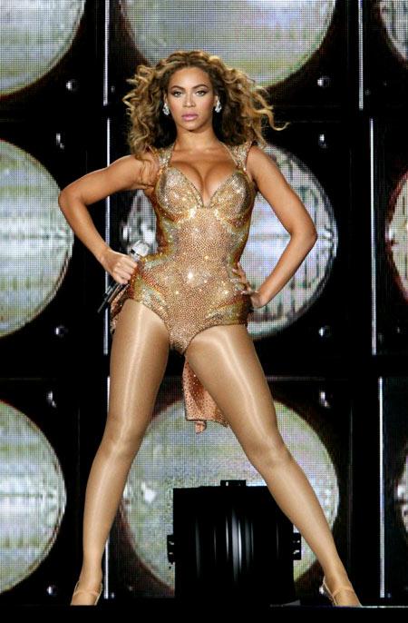 Beyonce-10-3781-1383886939.jpg