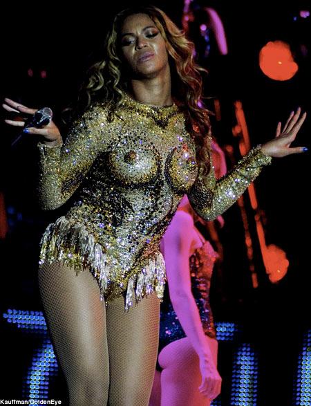 Beyonce-6-2302-1383886938.jpg