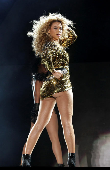 Beyonce-9-8612-1383886939.jpg
