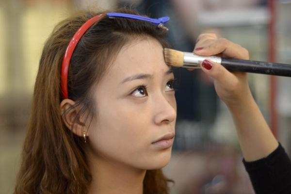 Make up tự nhiên cho cô dâu mặt nhỏ