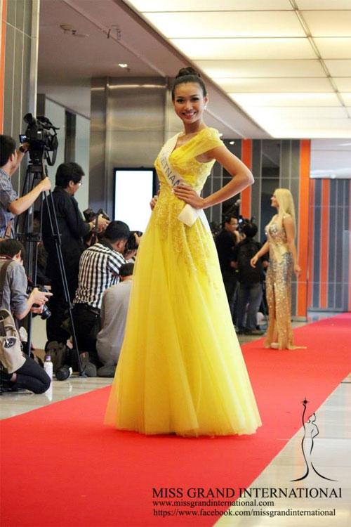 Người đẹp Việt Nam và bạn bè quốc tế khi tham dự