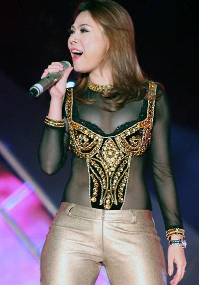7-Thanh-Thao-mac-xau-4-9163-1384346070.j