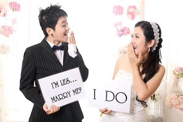Cặp đôi đồng tínhLinh và Phương từng tổ chức đám cưới trong khi không được sự chấp thuận của gia đình. Ảnh:Julian&Weenny.