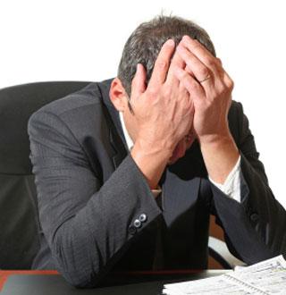 Stress là một trong những nguyên nhân gây mụn ở nam giới.