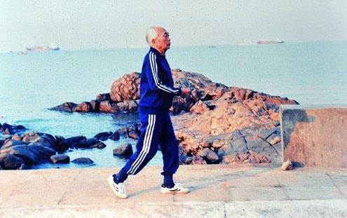 Lúc sinh thời, Đại tướng rất chăm lo cho sức khỏe bản thân. Ông sinh hoạt điều độ, tham gia nhiều môn thể thao, rèn luyện sức dẻo dai.